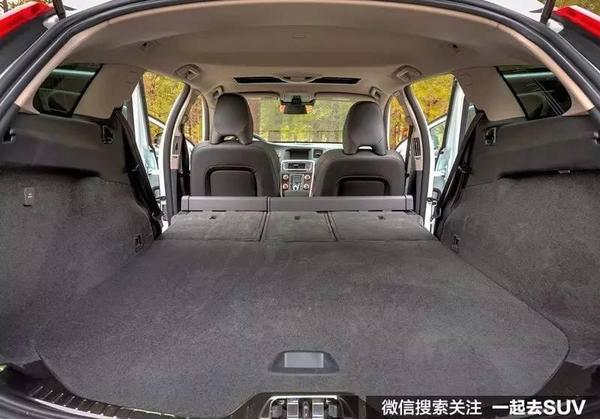 兼具SUV的越野和轿车的操控,还显得很有品位!