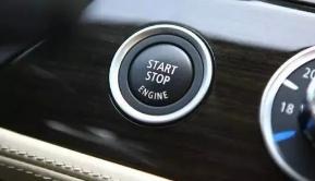 你上车后做的第一件事 对车伤害居然这么大!