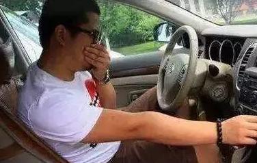 注意!夏天千万别一上车就做这事,太害人了!